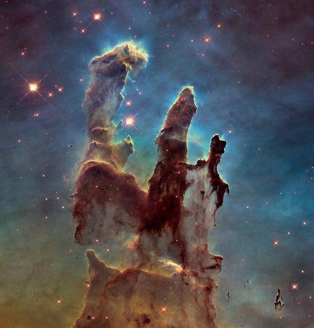"""""""Stâlpii Creațiunii"""" – astrografii spectaculoase realizată de telescopul Hubble"""