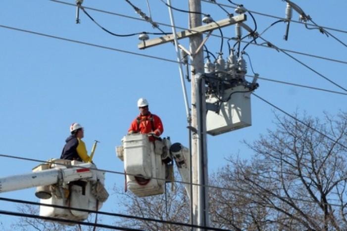 Încep lucrările de reparații la rețeaua electrică din Carei