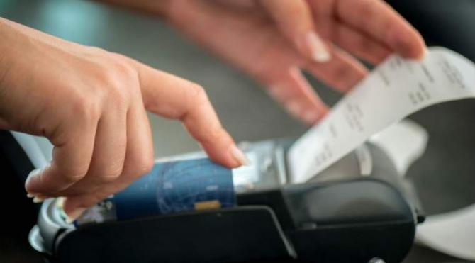 Clienţii care nu primesc bon fiscal pot avea gratuit produsul solicitat