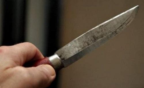 Și-a înjunghiat concubinul cu cuțitul în picior