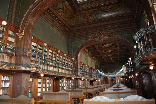 Biblioteca Universităţii Tehnice din Iaşi, printre cele mai frumoase biblioteci din lume