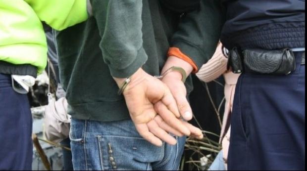 Sătmărean, reținut de polițiștii băimăreni. A tâlhărit o femeie