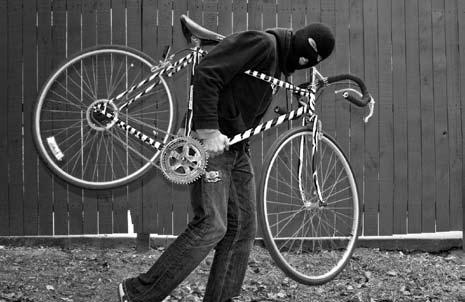 Hoți de biciclete, prinși de polițiști