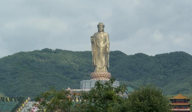Care este cea mai înaltă statuie din lume?