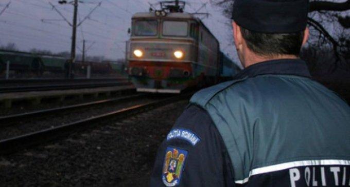 Locomotiva unui tren pe ruta Huedin – Cluj-Napoca a deraiat după ce a lovit o cireadă de vite