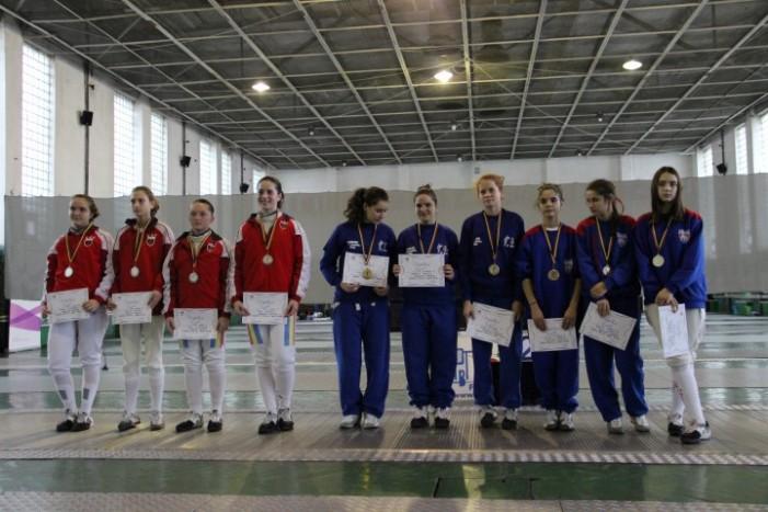 Echipa de fete a CS Satu Mare, medaliată cu argint la Campionatul Național
