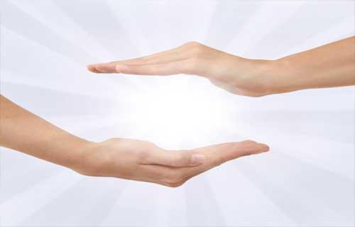 """Seri pozitive: """"Energia universală din palme, la îndemâna oricui"""""""