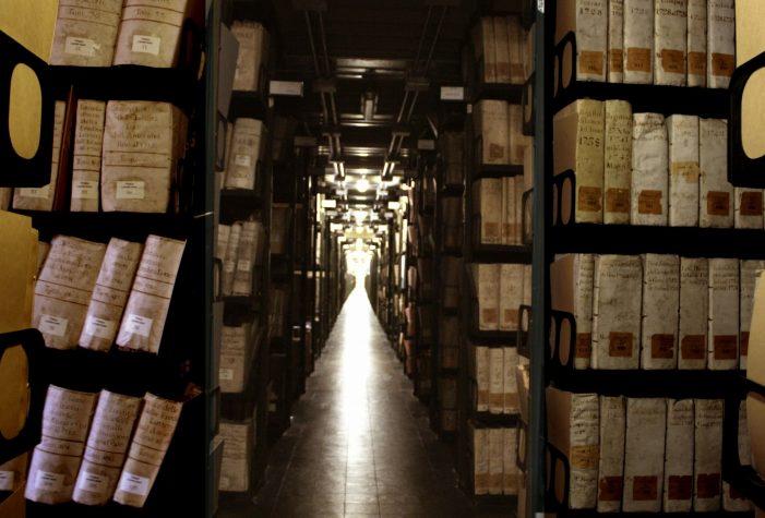 Cele mai mari secrete ale omenirii ascunse în arhivele Vaticanului