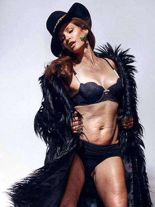O imagine neprelucrată a top-modelului Cindy Crawford (48 ani) face furori pe Twitter