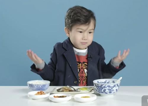 Cum reacționează copii americani încercând mic dejunuri din jurul lumii (video)