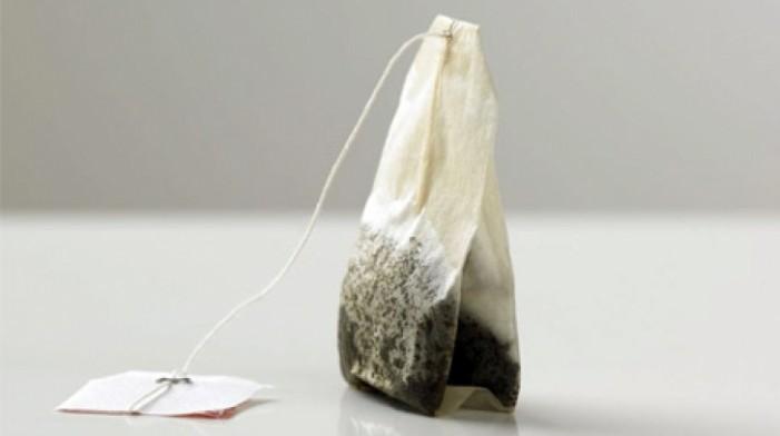 Ce se întâmplă dacă puneți pliculeţe cu ceai în chiuveta cu vase murdare