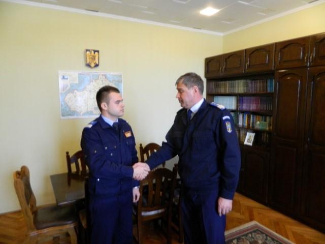 Un student al Academiei de Poliţie, îşi desfăşoară practica la IJJ Satu Mare
