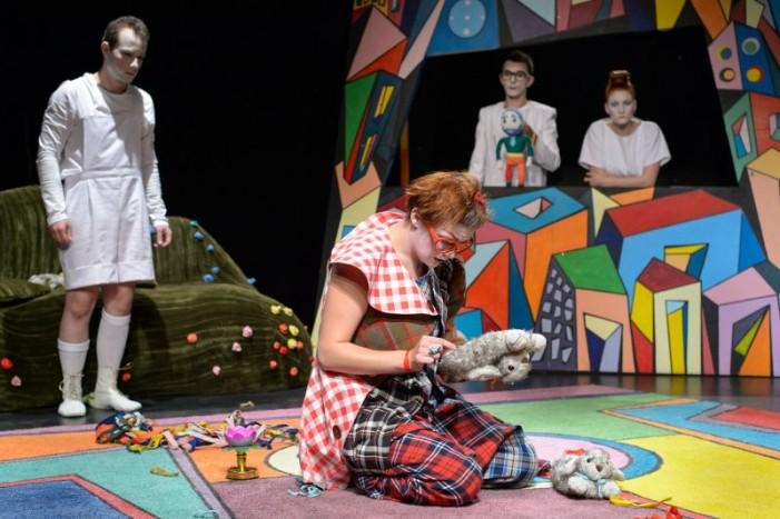 Teatrul de păpuși din Timișoara vine la Satu Mare