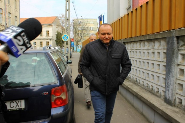 Liviu Tăut, așteptat în fața Curții de Apel Oradea