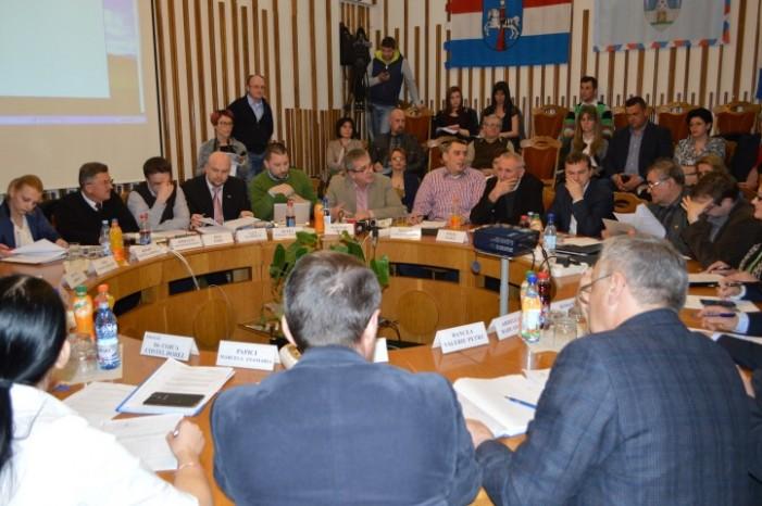 Consilierii UDMR îi răspund primarului Dorel Coica