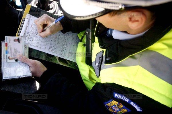 Polițiștii au reținut opt permise de conducere