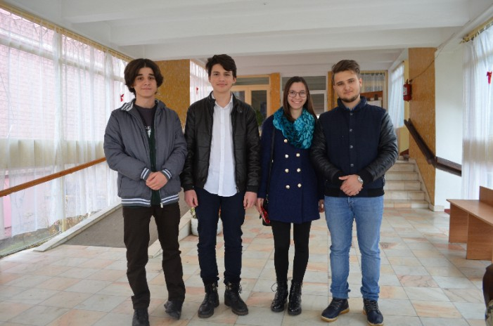 """Mărțișoare pentru doamnele de la Centrul de Îngrijire și Asistență """"Șansa"""" din Satu Mare"""