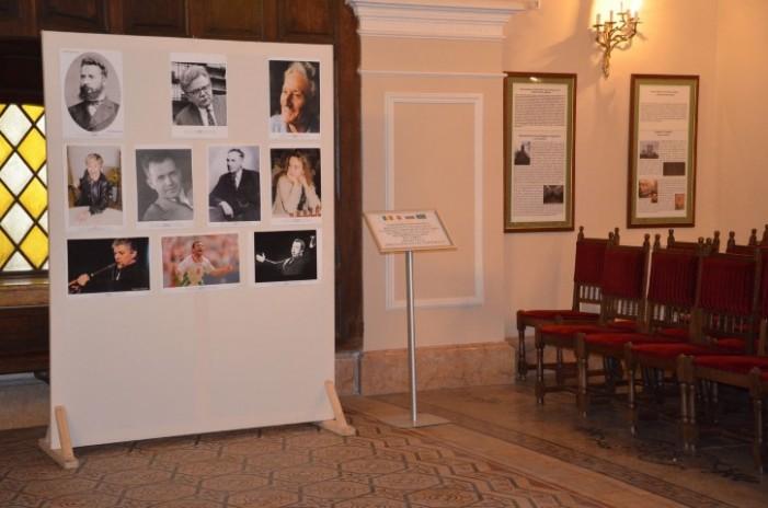 Fotografii cu personalități ale culturii bulgare, expuse la Carei