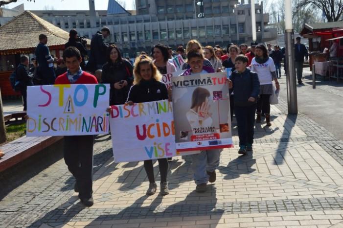 Marș antidiscriminare în centrul Sătmarului