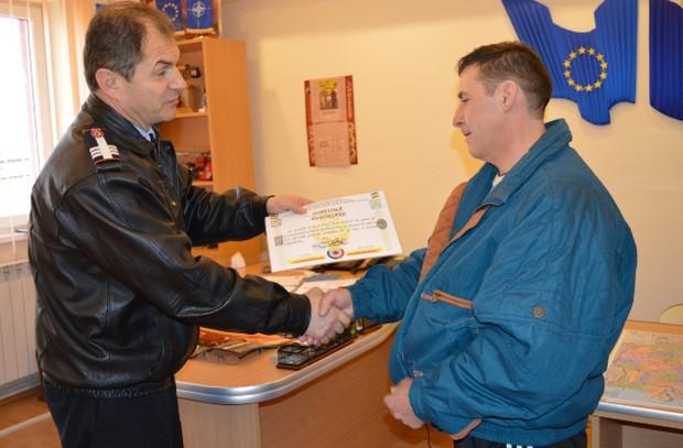 """Pescarul Iosif Lanczos, felicitat de conducerea ISU """"Someș"""" Satu Mare"""
