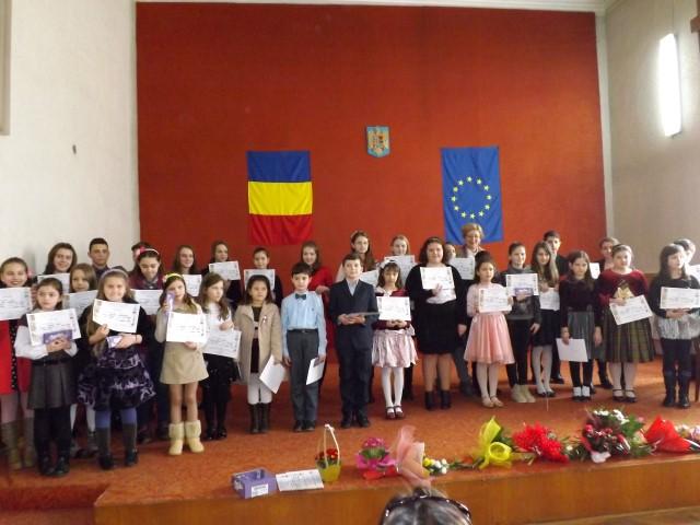 """Vezi premianții Concursului județean de interpretare pian """"Prietenii Muzicii"""" Satu Mare"""