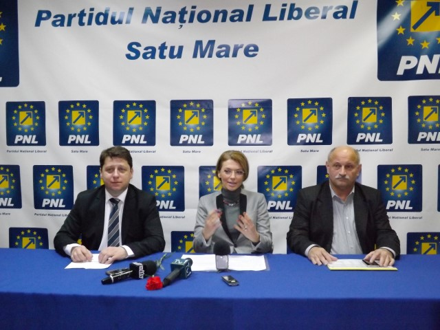 """Alina Gorghiu: """"PNL Satu Mare funcţionează în parametri extraordinari"""""""