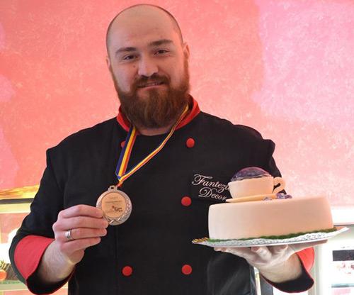 Sătmăreanul Alexandru Râpa, unul dintre cei mai buni cofetari din România (galerie foto)