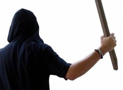 Nebunie curată: A luat cu asalt casa unei femei