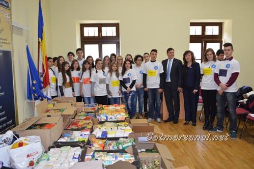 Alimente și îmbrăcăminte pentru Ucraina