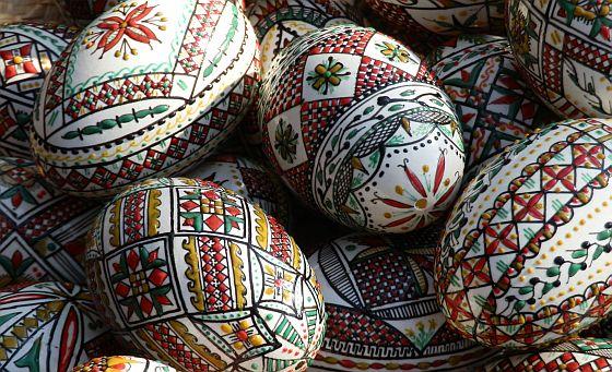 """""""Ouă încondeiate din Bucovina"""", la Muzeul de Artă"""