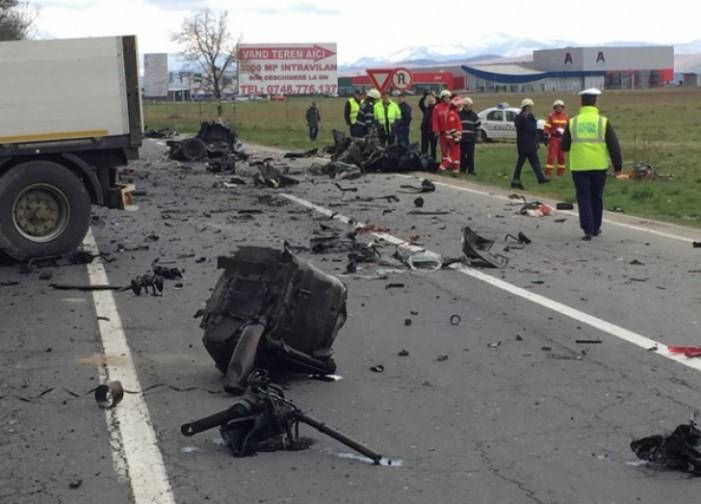 Accident mortal în județul Brașov. Cadavrul șoferului, împrăștiat pe zeci de metri