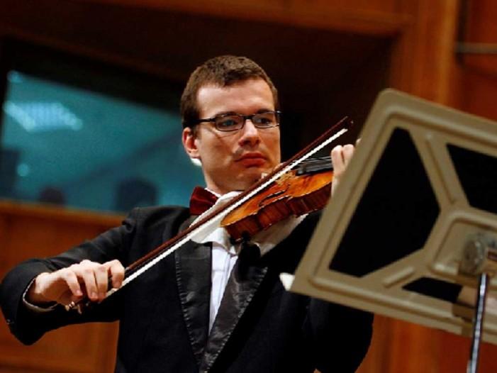 Violonistul Alexandru Tomescu aduce muzica lui Enescu la Satu Mare