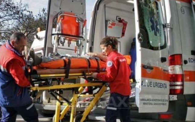 Copil din Acâș, la un pas de moarte. S-a cățărat pe un stâlp și s-a electrocutat