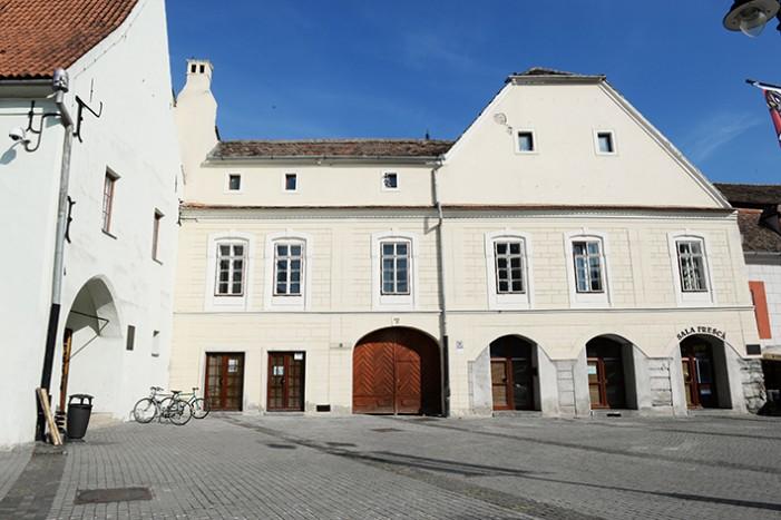 O clădire veche de 500 de ani din Sibiu, va fi reabilitată de o firmă din Satu Mare