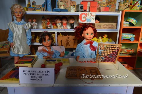 """Jucăriile copilăriei au """"invadat"""" Muzeul Județean (Galerie foto)"""