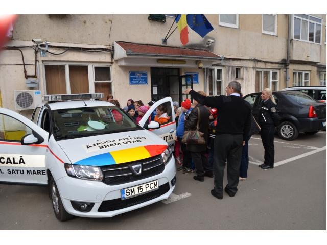 Elevi în vizită la Poliția Locală Satu Mare