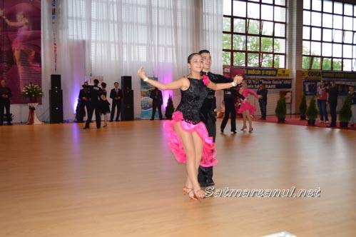 """Rezultatele obținute de dansatorii de la """"Royal Dance Club"""" și Școala de Arte la """"Cupa Sătmarului"""" 2015"""