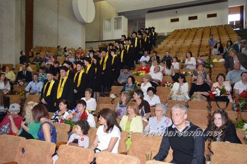 41 de studenți au terminat în acest an Facultatea de Administrație Publică Satu Mare