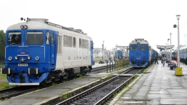 Circulația trenurilor dată peste cap după ce un marfar a deraiat
