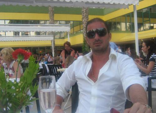 Polițistul Adrian Bota a fost arestat