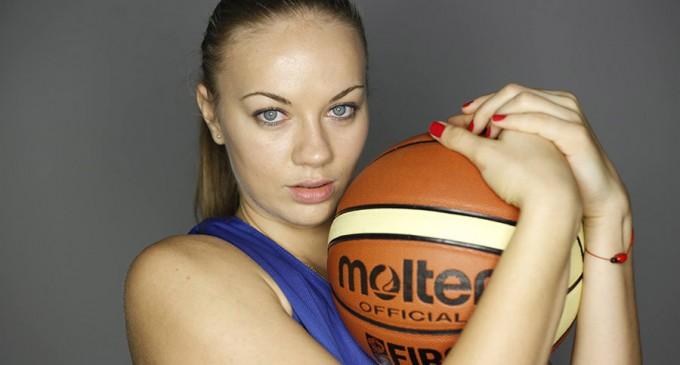 Sătmăreanca Claudia Pop, cea mai frumoasă jucătoare la Eurobasket Women 2015