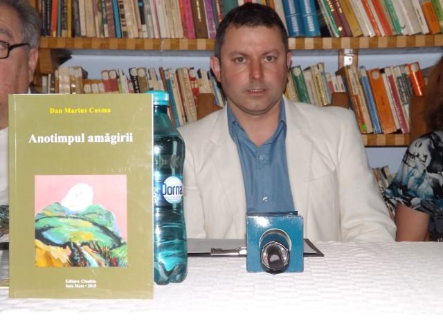 """""""Anotimpul amăgirii"""", un nou volum semnat de Dan Marius Cosma"""