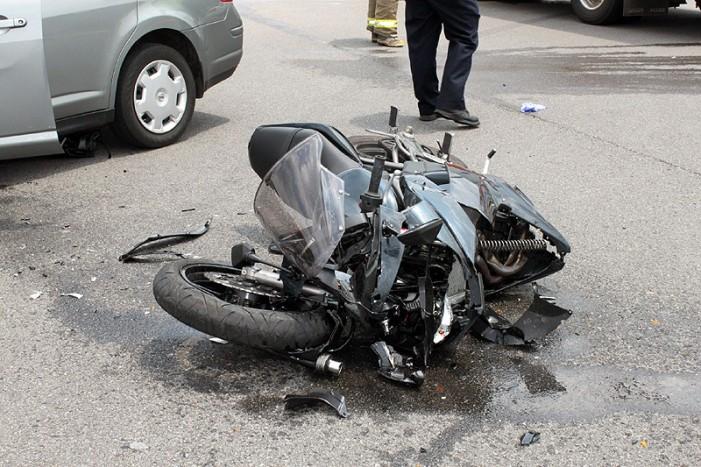 Un motociclist englez s-a accidentat grav în buricul Sătmarului