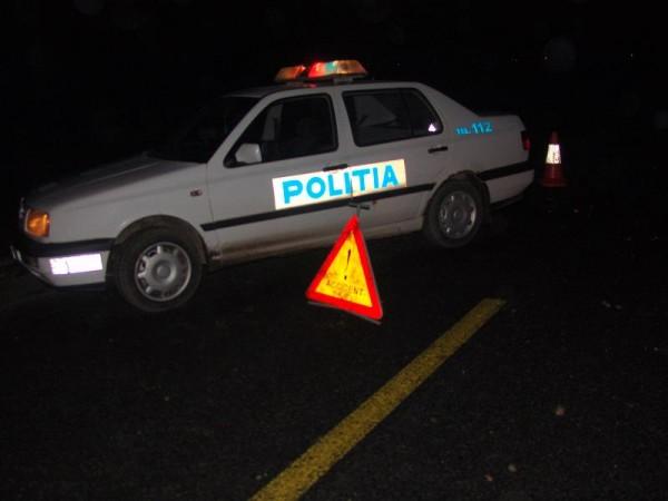 Șofer beat criță, a intrat cu mașina într-un VW parcat regulamentar