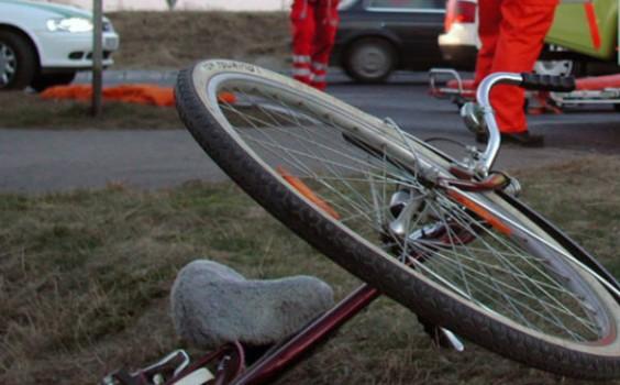 A căzut cu bicicleta