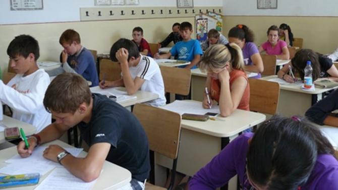 Evaluarea Națională Satu Mare: 765 de elevi au susținut examenul la limba și literatura maternă