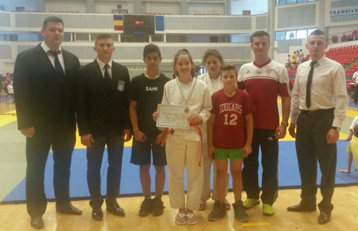 Denisa Tătar, medaliată cu bronz la Campionatul Naţional de judo U-14