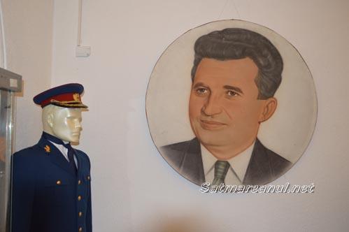 Expoziție dedicată COMUNISMULUI, la Muzeul de Artă din Satu Mare (Galerie foto)