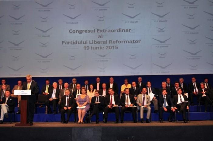 Congresul PLR a aprobat fuziunea cu PC. Noua alianţă se numeşte ALDE