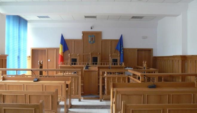 Un tânăr a leșinat în sala de judecată. Ce s-a întâmplat